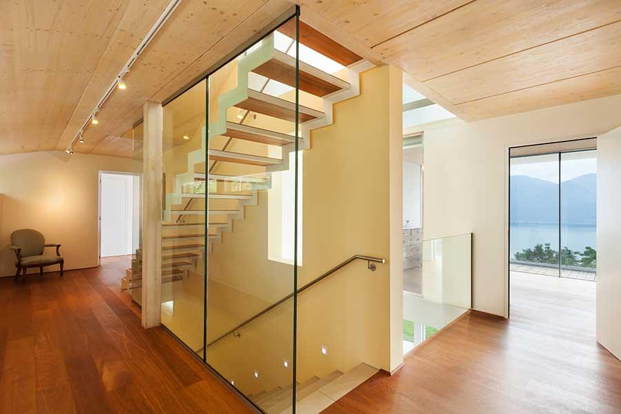 استفاده از پارتیشن شیشهای به جای پنل بین طبقات