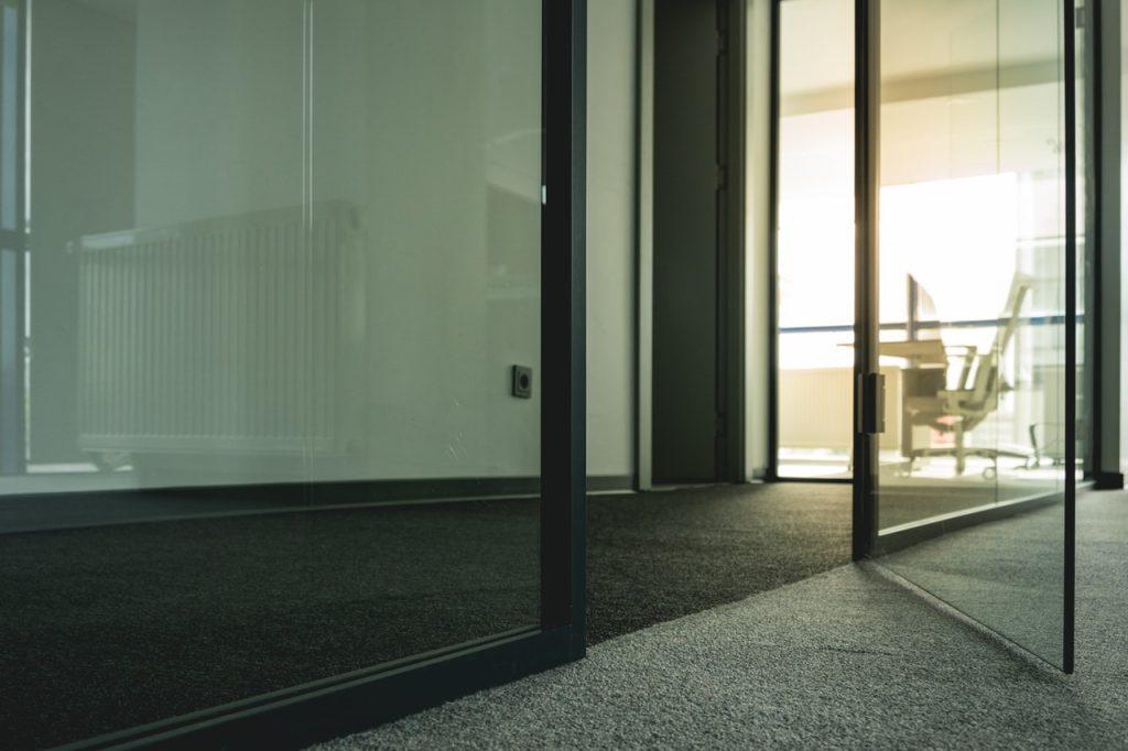 دسترسی به مدیر در محیط کار مناسب